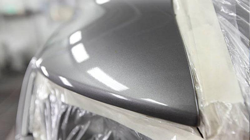 Detalle color gris metalizado coche